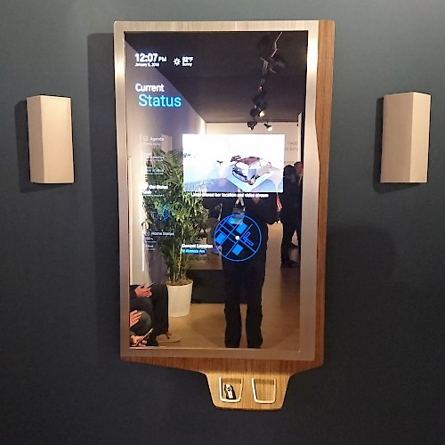 BMW Connected Mirror auf der CES 2016