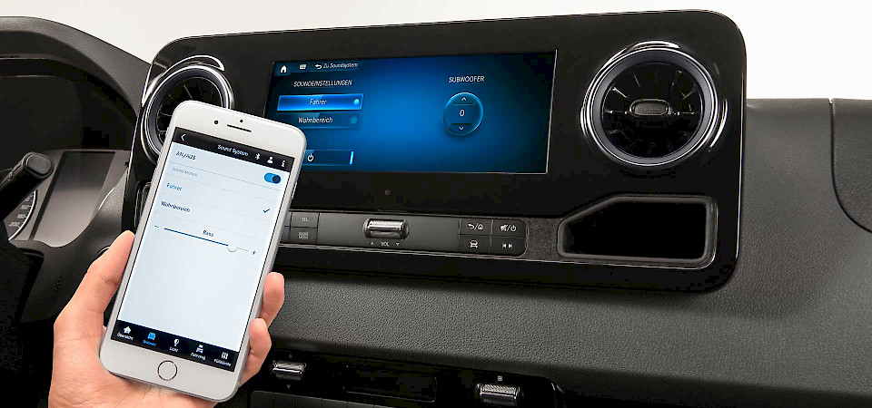 Mercedes-Benz Advanced Control iOS App von jambit